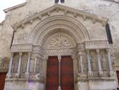 cath-drale-st-trophime.jpg
